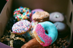 prettyfoods:  Voodoo Doughnuts, Portland Oregon (Explored!) (by ellieswellies)  That's my town, yeah!!! And that donut in the fornt is one of my faves, the Miami Vice.