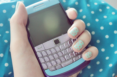 i wish my blackberry looks like this one, sooo cute. :D And also my nails. HAHA