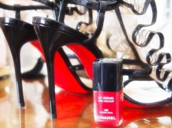 Wow, These christian louboutin shoes and Chanel nail polish is an ever so sexy combo!