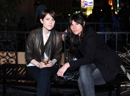 sara quin and clea duvall. aksjdfakslj i can't even.