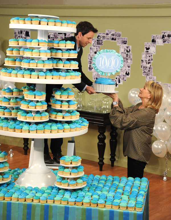 WHERE DO I APPLY TO LIVE IN ALL THOSE CUPCAKES?!