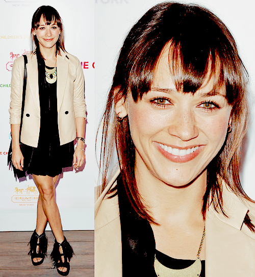 Rashida Jones arrives at an Evening of Cocktails and Shopping to  Benefit the Children's Defense Fund on  April 20, 2011.