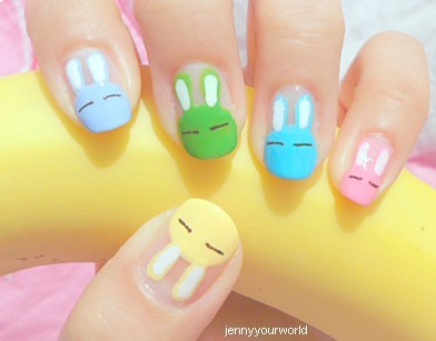Easter Fingernail Art | Holiday Snob What a cute way to celebrate Easter! These are so sweet, as are all the other DIYs featured. I tell you what, ever since they bought out those nail art pens I feel like I could actually attempt these things now. Though I think I'll have to wait for a price reduction before I buy one, they're sooo expensive!
