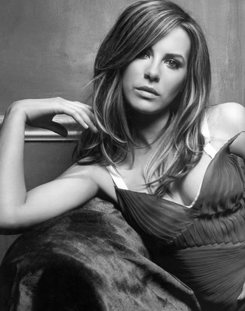 Kate Becksinsale offered Total Recall's female lead Kate Beckinsale has been offered the role of Lori in Sony Pictures' Total Recall remake, according to Deadline.This news shouldn't come as a huge shock, as Beckinsale is married to remake director Len Wiseman, and they've previously worked together on several Underworld movies.Only scheduling problems could keep her away from Recall, as she's currently busy shooting Underworld 4: New Dawn (and it'd probably lead to some awkward dinner table moments if she just turned her hubbie down…)If she signs on, she'll star opposite Colin Farrell as Douglas Quaid (the character played by Arnold Schwarzenegger in the original).