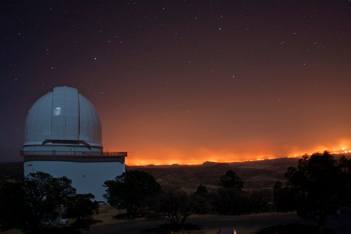 mcdonald observatory, wildfire, and back-fire in the mountains of west texas. via: The Atlantic