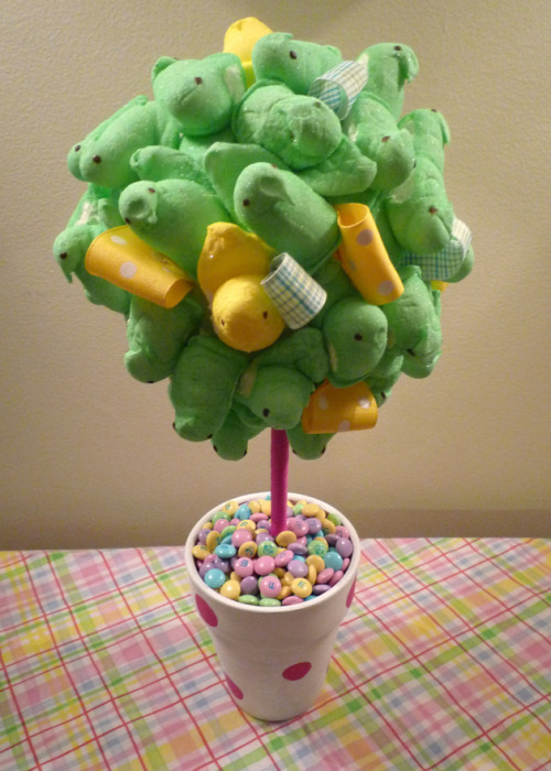Peeps Topiary - How cute!!! (via Craftzine.com blog)
