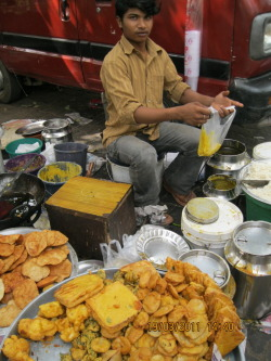 Batata Vada Wallah (New Delhi) Average Sales: Rs. 15,000 per month