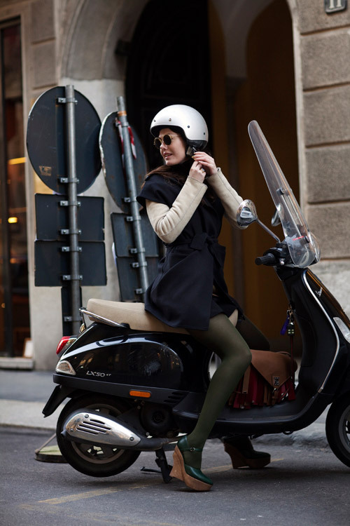 i wish I could be this cool.  that's a nice scoot!