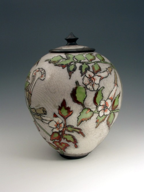 JoAnn Axford: Ceramic vessel #1