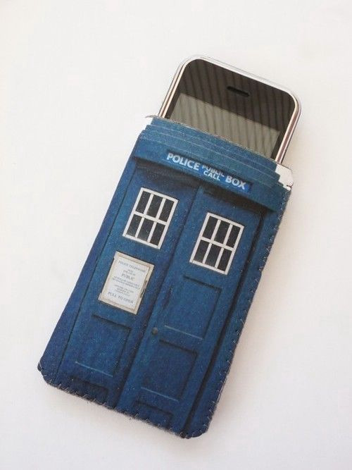 doctorwho:  TARDIS iPhone Case noahsmarebear:  Why do I not own this…? source: etsy (thx paperforaplatypus)   even better question: where can I buy it?