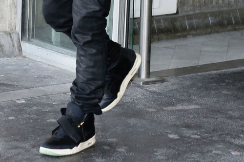 Kanye West seen sporting the Air Yeezy II.