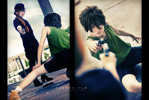 cosplayninja:  Cosplayers Cvy and gk-reiko reenact Heero and Duo's first meeting. This is absolutely nostalgic. Cvy as Heero Yuygk-reiko as Duo MaxwellPhotography by Kanasaiii  Reblogging old posts.