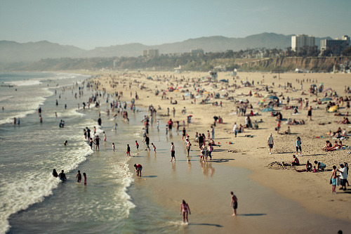 josiefeenie:  Mini Santa Monica (by ThePurpleCrayon) One of my favorite beaches.  Can't wait to be back here.