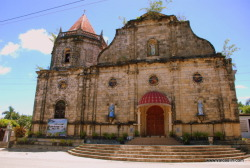Iloilo is home to many old churches and one these is the church of Dingle, a peaceful town in eastern Iloilo. Like other churches in the province, Dingle Church is of Baroque architecture with its interiors showing features of the Neoclassical style. The parish church of San juan de Bautista is simple yet elegant. It is not lavishly adorned but it is a real beauty. Take a photo of it and you will see. I have been longing to feature this church in this blog and finally we took a turn to Dingle to visit its wonderful sight like its church.And when we got there, we were not dismayed. It is indeed a nice church and should one of the old churches in Iloilo that a traveler should visit. I felt a little dismayed why it took me so long as a freelance writer to feature and share this church to my dear readers. Going back to Dingle Church, its main component is limestone and I find it unique. In this part of Iloilo, baked bricks is the most common material as seen in the churches of Santa Barbara,Cabatuan and even of Janiuay. Limestone is more evident in southern Iloilo like that of Miag-ao Church. For this church, limestone was quarried in the mountains of Bulabog-Putian which is now a national park.