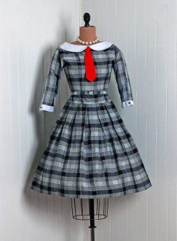 omgthatdress:  1950s dress via Timeless Vixen Vintage  This is so adorable. ♥