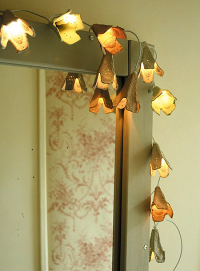 DIY fairy lights (made of egg-cartons!), how cool. Get ready for summer people!!