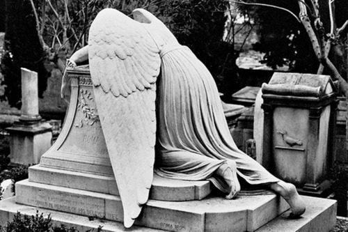 ivoryandwire:  heysammy:  WEEPING ANGEL, YOU ARE DRUNK.  DON'T DRINK DON'T EVEN DRINK