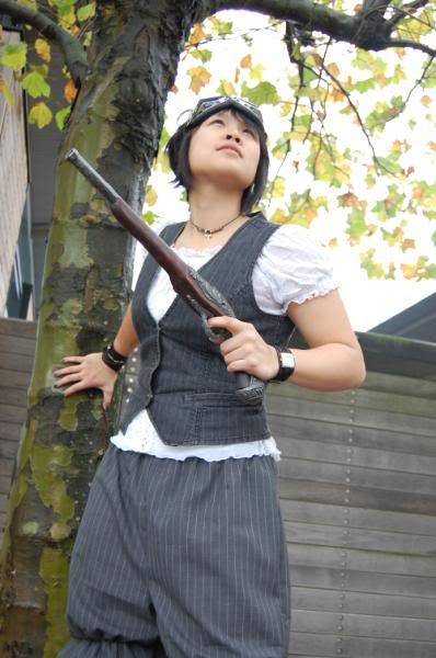 Love Asian steampunks. There needs to be more of them out there.