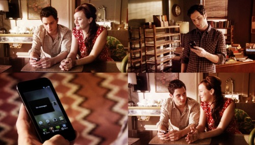 jonassssnap:  1x18: Dan and Blair await a phone call from Georgina.4x18: Dan awaits a phone call from Blair.