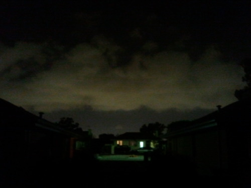 Clouds r mad low & moving fast again tonight.