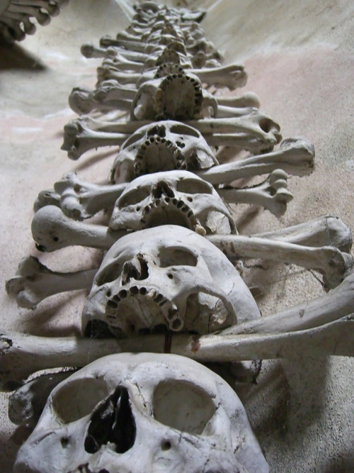Another view of the Sedlec Ossuary outside Prague. More to come. (Source: SoulStealer.co.uk's Flickr.)