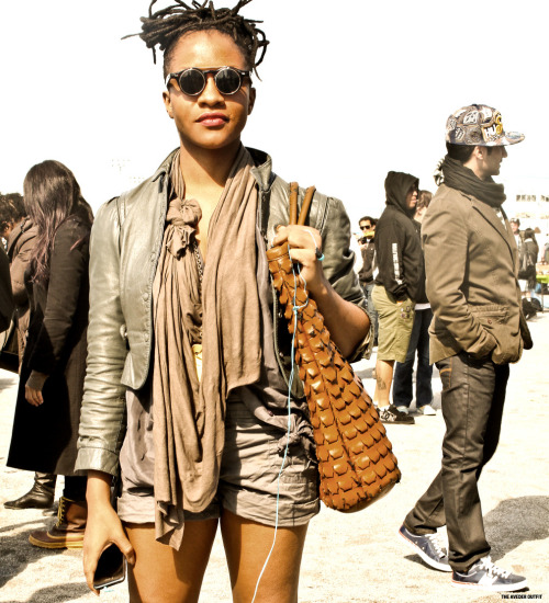 streetetiquette:  AVEDEROUTFIT Update : BK Flea  Photo by Cleon Grey