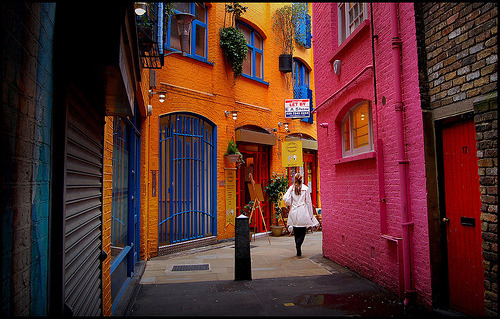 i miss neal's yard.