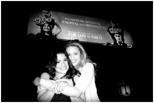 fuckyeahgleelove:  old picture, but i love lea and dianna in this :) (Thanks  kelstabulous!)