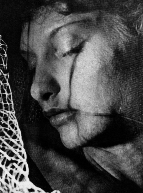 oldhollywood:  Maya Deren in Meshes of the Afternoon (1943, dir. Maya Deren & Alexander Hammid) (via)