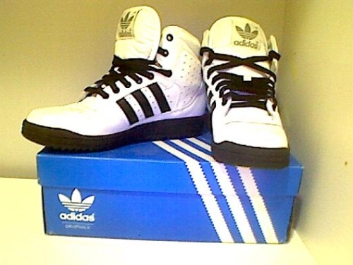 ADIDAS WOMEN HIGH TOPSColour: Black & WhiteSize: US:7, UK5.5Condition: Never Worn/Brand New In BoxRRP: $149.95Selling For: $80 > $60 SOLD