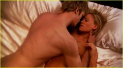 Who doesn't want to be Sookie at that moment?  mmmmmmmmhhh! ;)