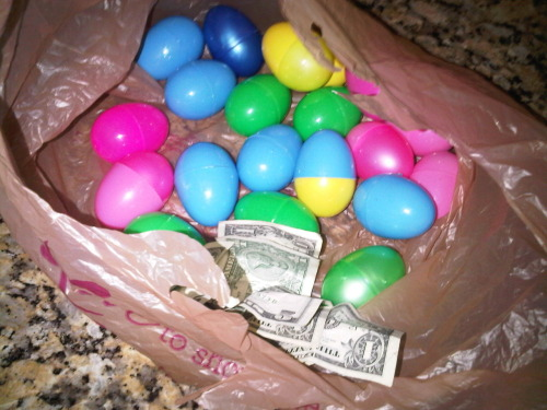 These are alll the easter eggs I found!! I only found $9 while Tay found $10 and Arden found $21! I'm getting old :(