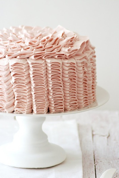 gastrogirl:  outside of the lemon raspberry ruffle cake.
