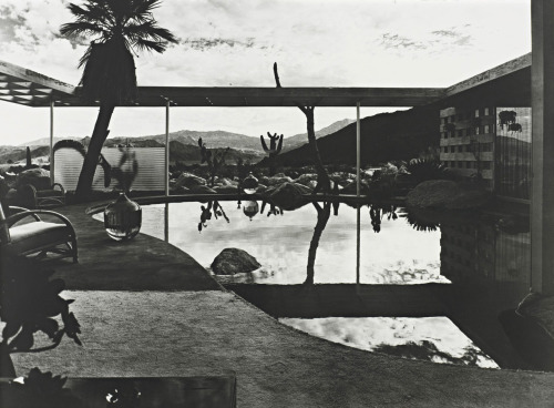 Raymond Loewy House; Palm Springs, California  photo by Julius Shulman, 1947