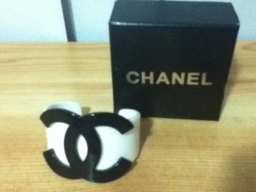 CHANEL REPLICA BANGLE/BRACELETSize: One size fits allCondition: Brand new in boxSelling For: $15 > $10 SOLD