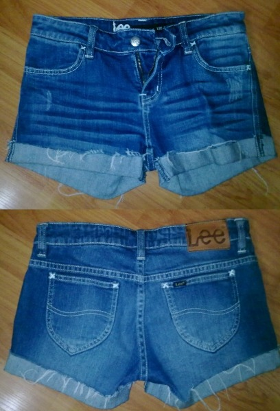 LEE FRAY DENIM SHORTSSize: 8 (Could fit a size 10)Condition: ExcellentSelling For: $30 SOLD