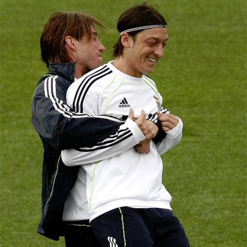 megustaelfutbol:  My two faves.   same here,my two favorits too……..l love see them together………………..