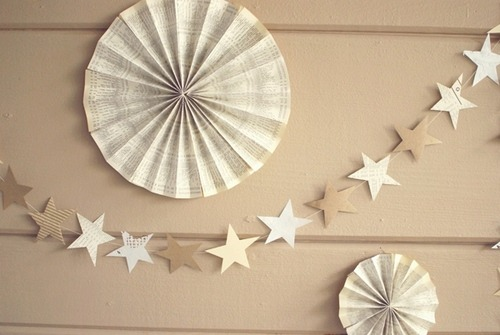 thewhitedress:  DIY star garland  I want more colors. But I approve.