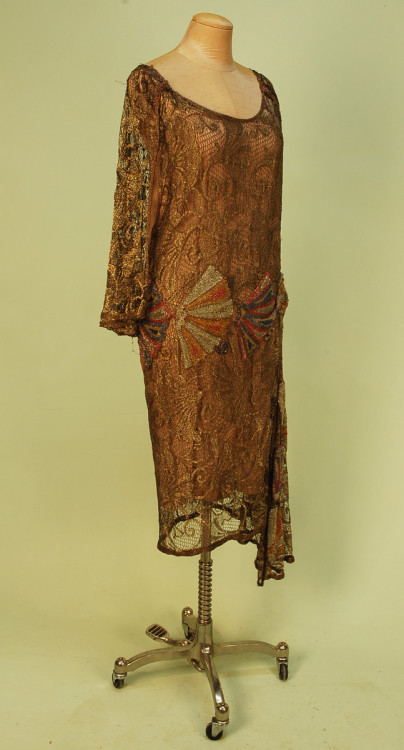 omgthatdress:  1920s dress via Whitaker Auctions