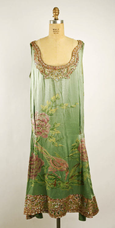 omgthatdress:  Callot Soeurs dress ca. 1925 via The Costume Institute of the Metropolitan Museum of Art