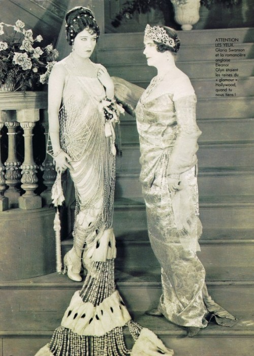 wehadfacesthen:  Gloria Swanson and English novelist Elinor Glyn, 1920s -via schmidtbuster