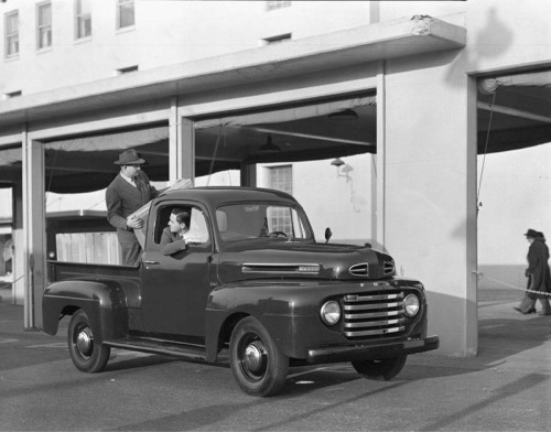 1948 best truck ever. I hope to own this really soon.
