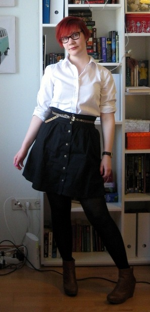 Shirt: LindexSkirt: ModclothShoes: VagabondBelt: H&MWatch: Clas Ohlson, I think. Men's, cheap. So the ability to stick to it clearly isn't my forte. :P I have a bunch of outfits I've taken pictures of but not posted, either because the pictures are terrible or I've just been too lazy to do the two-minute editing job. Anyway! This is what I wore today. For the first time this year it was warm enough to forego the coat, which is quite exciting. (Okay, so it probably wasn't warm enough for rolled-up sleeves, but I don't even care.) It's a simple outfit, but I really quite like it. Even if the offensively pink nail polish doesn't quite match.
