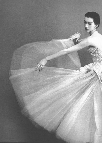 Wearing Cristóbal Balenciaga 1950 Photographed by Richard Avedon for Harper's Bazaar.