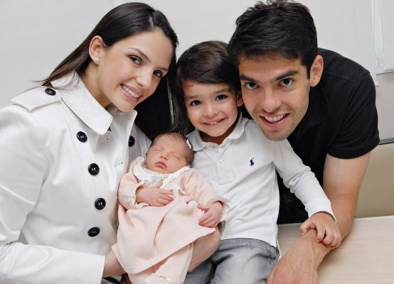 awagwithaswag:  bronaldo:  wonderful-kaka:  Caroline, Kaká, Luca & Isabella   OH MY GOD, THIS IS SO CUTE I CAN BARELY CONTAIN MY GLEE  LUCAAA! You are so adorable! :>