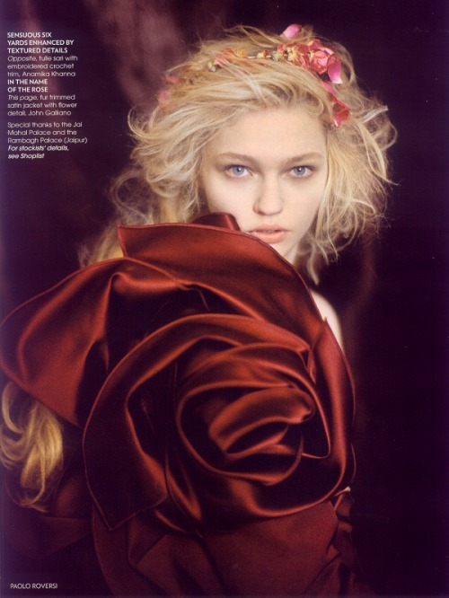 michelleforan:  Paolo Roversi / Vogue India October 2007.