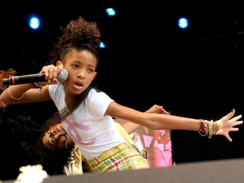 Willow Smith's arm is wack.