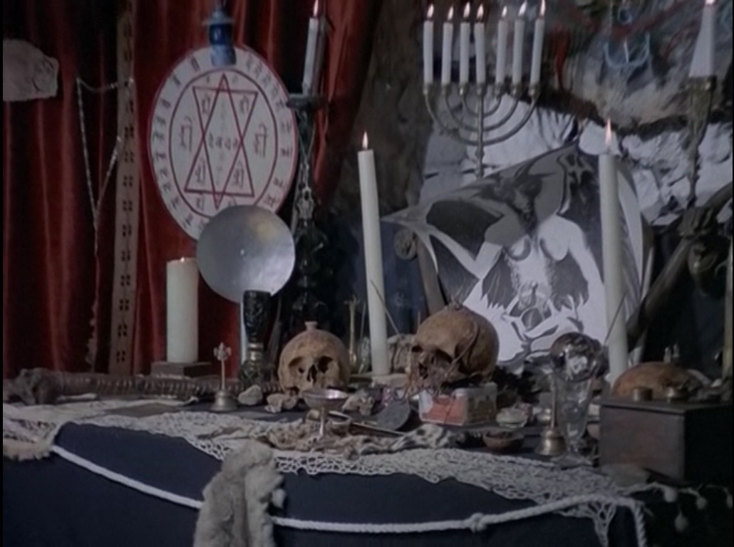 At times it's like an old-country Lucifer Rising. Still from La Papesse.