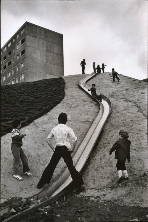 Martine Franck Suburbs of Newcastle upon Tyne, Tyne and Wear, England, 1977 From Martine Franck: One Day to the Next Thanks to liquidnight