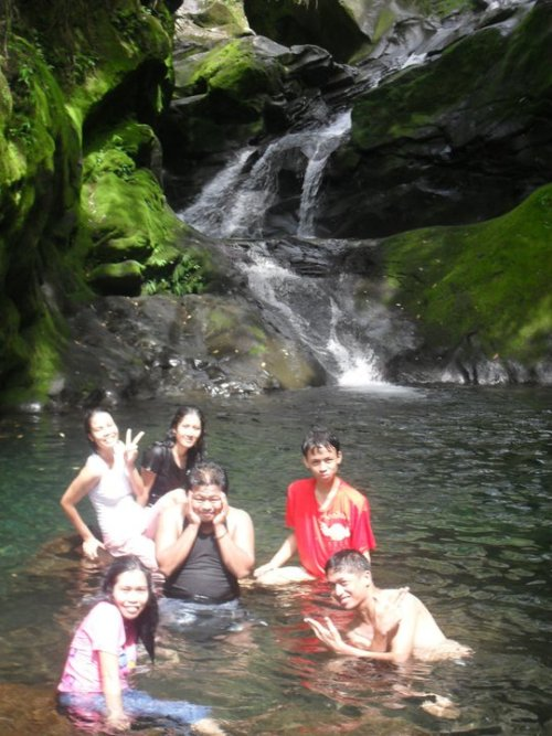 Abaga Falls - Guintubdan, Negros Occidental So called…yet fun!.